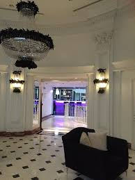 leon s place hotel entrance hall just behind where this pic was taken theres a