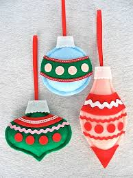 Are you bored with glass ornaments but still like their shapes? Make felt  ones to