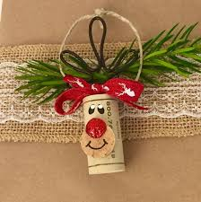 This listing is for a Set of 6 Wine Cork Ornaments. The set includes 4