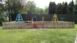 picture of pallet wood garden fence