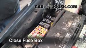 replace a fuse 1999 2004 jeep grand cherokee 2003 jeep grand 2004 jeep grand cherokee fuse box schematic at 2004 Jeep Grand Cherokee Fuse Box