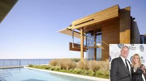 Michael & Iris Smith slam down a record-shattering $110 million on Malibu's  Carbon Beach – DIRT