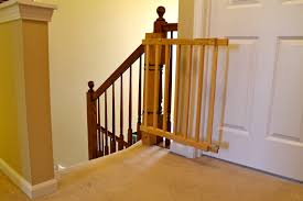 Tips: Keep Your Baby Safe With Baby Gates For Stairs With Banisters ...