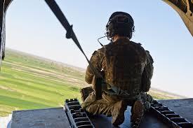 File:Chinook Door Gunner Over Afghanistan MOD 45157906.jpg ...