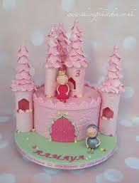 Peppa Pig Castle Cake Bekki In 2019 Birthday Cake Girls Pig