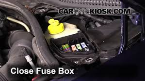 replace a fuse 2004 2010 volkswagen touareg 2008 volkswagen 6 replace cover secure the cover and test component