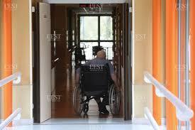 sous effectif chronique dans les établists qui accueillent des personnes âgées photo d archives er lionel vadam