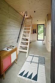 Gerade treppe mit stahlwangen und stufen und wandhandlauf in eiche. 15 Geniale Treppen Die Wenig Platz Beanspruchen Homify