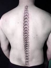 30 Pretty Common Girls Spine Tattoos Designs To Try