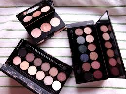 review sleek i divine eye shadow palettes storm and au naturel