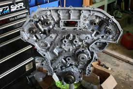 10 tips for building a powerful reliable nissan vq35de inner timing cover installed and ready for timing chains note oil water pumps are also installed there are two bolt lengths used in the engine