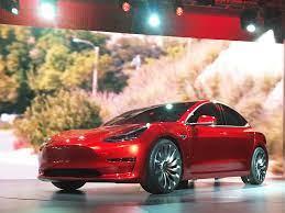 FORMER TESLA EXEC: Elon Musk is 'just ...