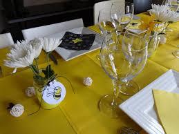 Décoration de table jaune et noir, anniversaire enfant, thème winnie ...