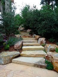 So sind sie häufig unterschiedlich stark und vor allem an den kanten ungleichmäßig gebrochen. Treppe Im Garten Selbst Bauen Bartisch Aus Paletten Freshouse