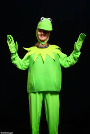 denise sandell was making everyone green with envy with her kermit costume sc 1 st daily mail