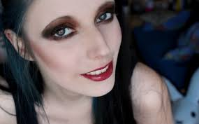 how to get very pale skin goth makeup
