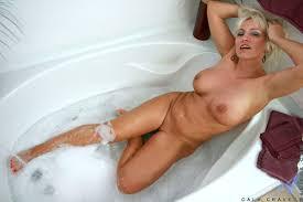 Milfs in bath pics xxx