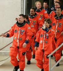 James Kelly, Wendy Lawrence - Wendy Lawrence Photos - NASA Postpones  Shuttle Launch - Zimbio