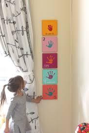 Un projet  bricoler avec la main de l'enfant  chaque anne! Une ide  charmante!