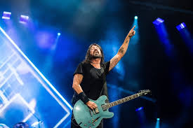Dave's musical career began at age 15 as the guitarist and later as the drummer for a punk band called. Nirvana S Surviving Members Reunite During Foo Fighters Seattle Concert The Seattle Times
