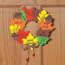 Idea for a thanksgiving craft: Thankful Wreath.