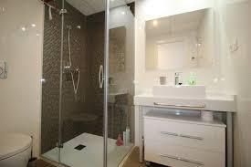 Bedroom  Bathroom Luxury Apartment Clickbooktravel - Luxury apartments bathrooms