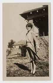 Photograph of Virginia Knox] - The Portal to Texas History