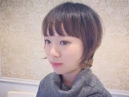 おでこが広い女性に似合う髪型15選顔の形別におすすめのヘアスタイルを