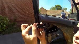 How To Change The Door Handles on a Toyota Starlet - ShootAll ...