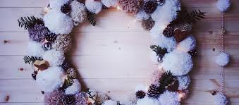 Christmas Pom Pom Wreath with VELCRO® Brand