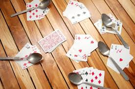 spoons card game rules tips and variations