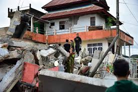 Tv reporter marco petruzzelli the 2001 gujarat earthquake occurred on january 26, 2001, at 03:17 utc, and coincided with the. Outlook India Photo Gallery Earthquake