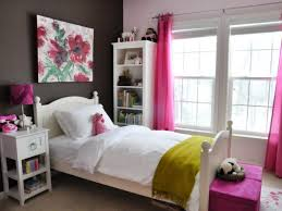 Simple To Decorate Bedroom Happy Simple Bedroom Decor Ideas Cool Gallery Ideas 8042