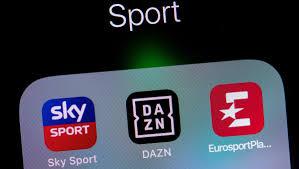 Das Kartellamt untersucht die Kooperation zwischen Sky und DAZN - FOCUS  Online