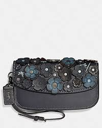 CLUTCH WITH SMALL TEA ROSE ...