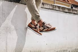 above you will get an on feet look at the reebok cl leather mccs in both the cappuccino and marble color schemes both iterations comes with low cut uppers
