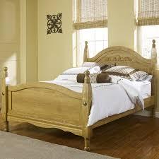 Lang Oak Creek King Wood Post Bed with Decorative Applique - AHFA -  Headboard & Footboard Dealer Locator