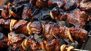 كيفية تتبيل اللحمة المشوية - اللحم المشوي - طب 21