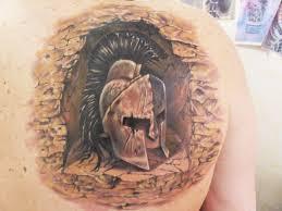 ренессансстудия художественной татуировки тату шлем спартанца
