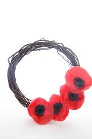 Make A Paper Poppy Flower Tissue Paper Poppy Wreath Sugar Spice And Glitter