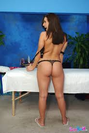 Hot Brunette With Sweet Round Ass Gets Oiled For Naked