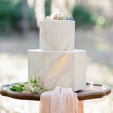 7 Elegant Hexagonal Wedding Cakes Brides