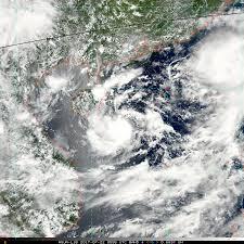 """พายุโซนร้อน """"เซินกา"""" WP082017 - Tropical Storm SONCA - Pantip"""