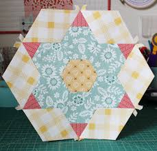 Smitten: Large Hexagon Two - Hilltop Custom Designs & Alright, on to the blocks... below are all five finished Large Hexagon Two  blocks. Check them out and let me know what you think!! :) Adamdwight.com