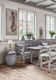 Lovely farmhouse style, and look at those ceilings...wow