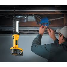 dewalt flashlight 18v. dewalt dc527 18-volt fluorescent area light, no battery - dewalt flashlight amazon.com 18v