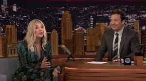 Kaley Cuoco Sings The Big Bang Theory Theme Song - YouTube