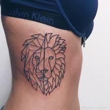 татуировки для девушек лев фото