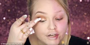 star nikkie whose you channel nikkie tutorial has around a million subscribers shocked fans when she