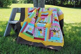log cabin hidden stars quilt - daily yarns 'n more & I'm so happy I've finally got this done and in time for any camping trips  we hope to take in the near future. I quilted it with a fish pattern that I  ... Adamdwight.com